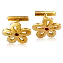 18kt Yellow Gold Clove Leave Cuff Links