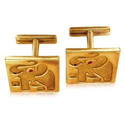 18kt Yellow Gold Elephant Cuff Links