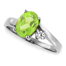 14k White Gold Beautiful Oval Peridot and Diamond Ring